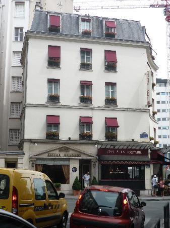 โรงแรมไอเฟลเคนเนดี้: Eiffel Kenney