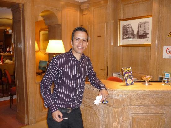 โรงแรมไอเฟลเคนเนดี้: Ayman