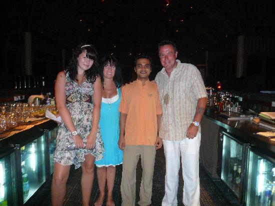 Veligandu Island Resort & Spa: Gopi the best Bartender
