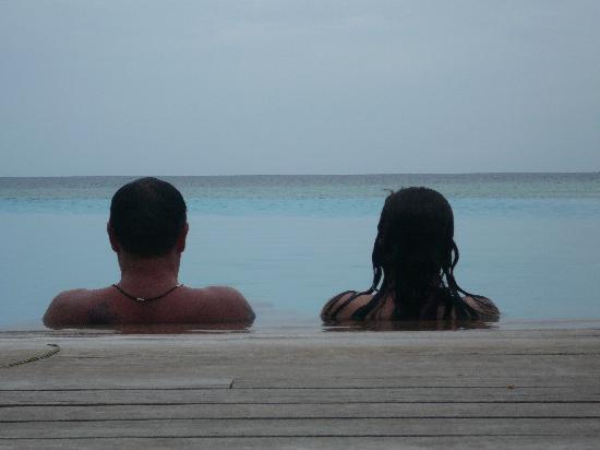 Veligandu Island Resort & Spa: Infinity