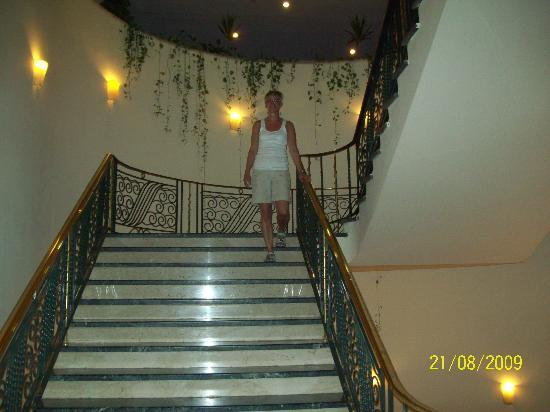 Steigenberger Nile Palace Luxor: The stairs