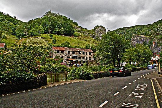 Cheddar Caves & Gorge: Cheddar.