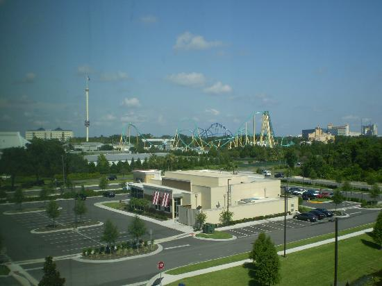 Fairfield Inn & Suites Orlando at SeaWorld: View from hotel room of TGI's and Seaworld