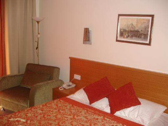 Green Forest Hotel: Bedroom