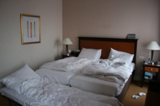 Dom Hotel Koeln: Beds