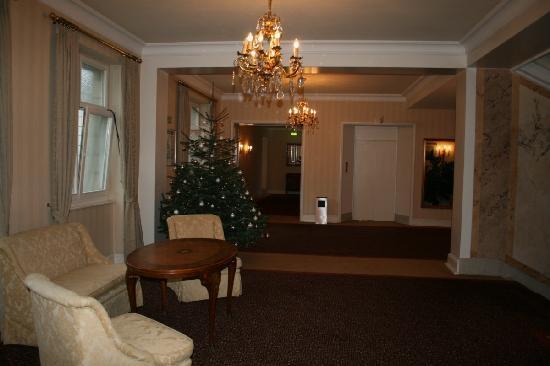 Dom Hotel Koeln: Corridor