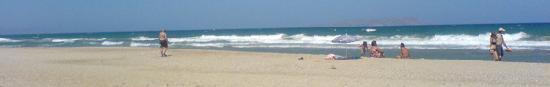 Zorbas Village and Aqua Park: La plage un peu plus loin