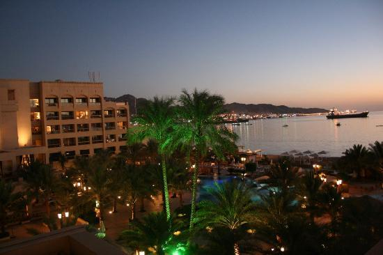 InterContinental Aqaba Resort: Ic at night