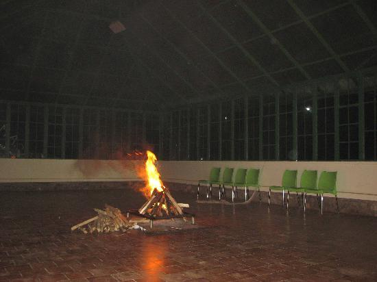 Camp Noel: Camp Fire in the Glass House
