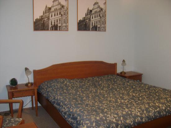 Anna Hotel: Bed