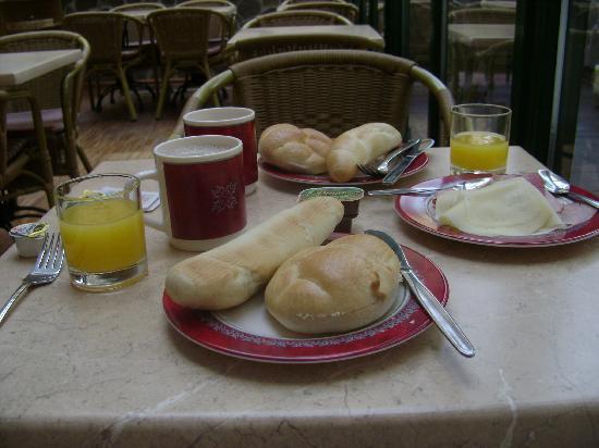 Anna Hotel: Breakfast in the Terrace