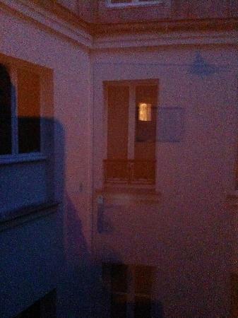 โฮเต็ล เฟอร์เท็ล เมล์ล็อท: La vue de ma chambre.....