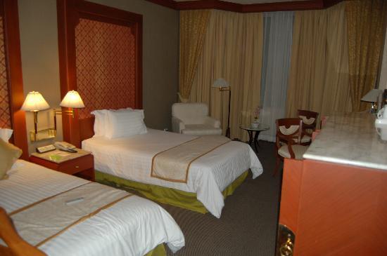 โรงแรมเจ้าพระยาปาร์ค: Suite bedroom