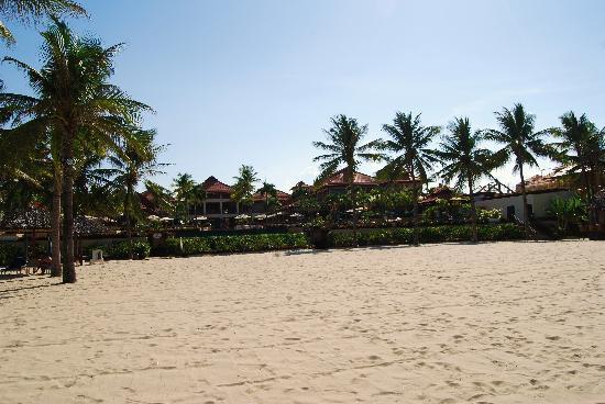 ฟูรามา รีสอร์ท ดานัง: From China Beach