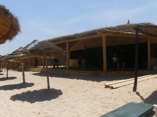 Hotel Dar El Olf: travaux juste à coté de nous