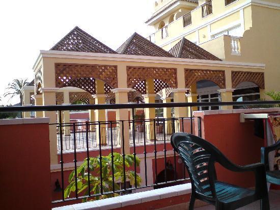 Granada Park Apartments: Reception Area