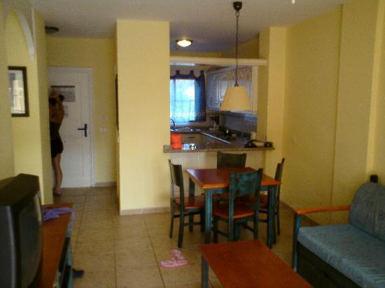Granada Park Apartments: Lounge Area