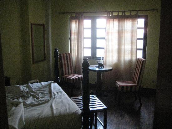 Hotel Courtyard : Room2