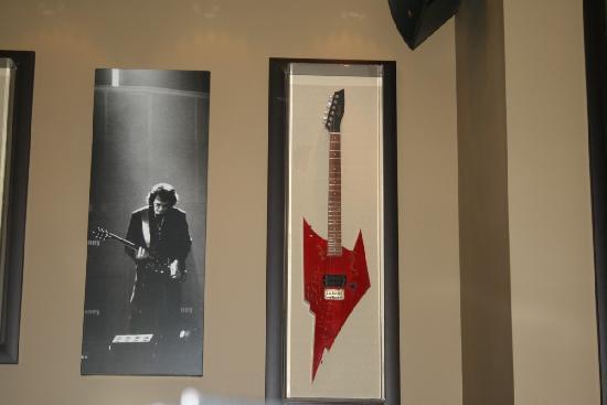 Hard Rock Cafe: A guitar