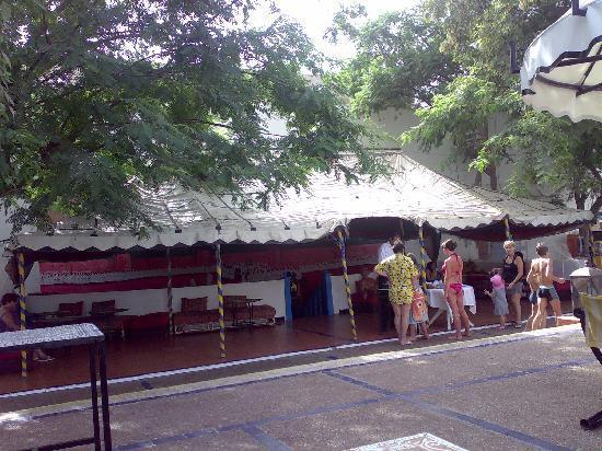 Caribbean Village Agador: la tente berbere avec ses biscuits et son thé