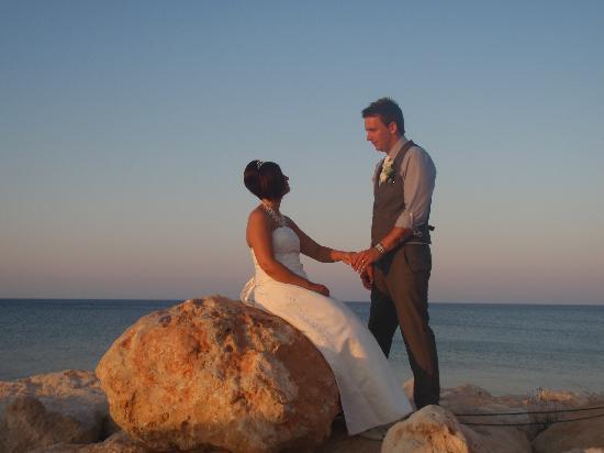 Golden Coast Beach Hotel: beautiful setting for wedding