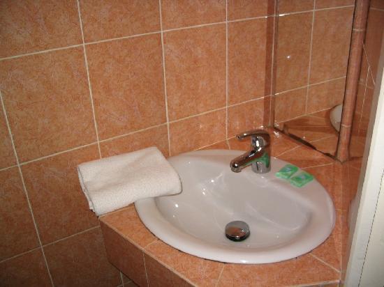 โรงแรมโทรกาเดโร่: Bathroom