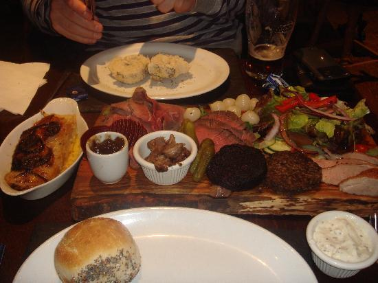 Cuin Lodge: Bellachroy's meat platter