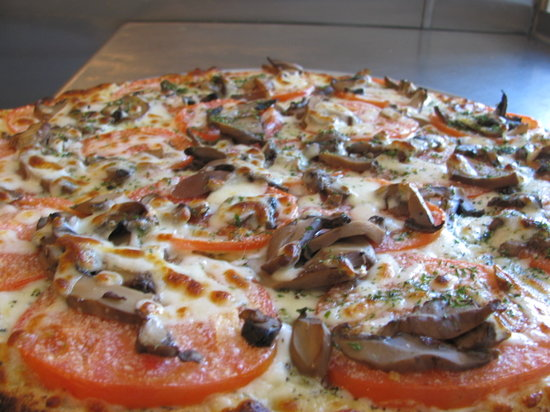 Sunset Cafe: white pizza with mushrooms