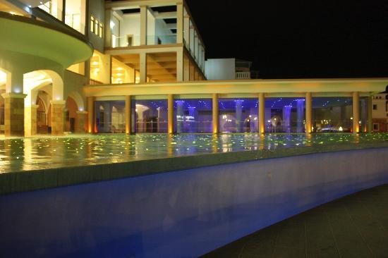 Atrium Prestige Thalasso Spa Resort and Villas: hotel at night