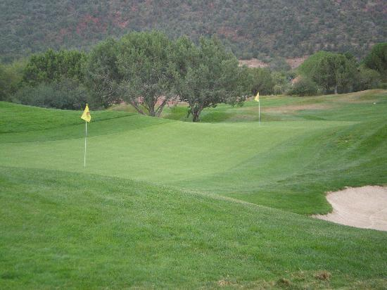 Sedona Golf Resort: Picture of green 3 and 7 (I think)