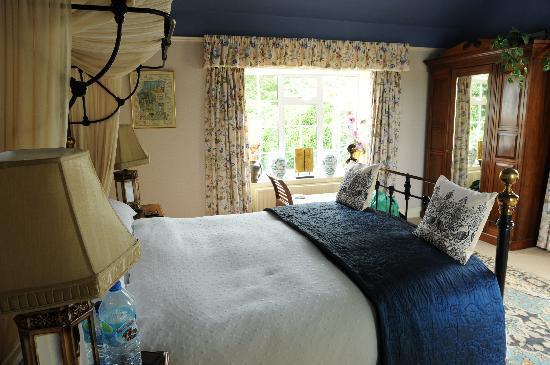 Whitepark House: The blue room