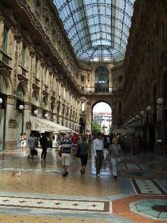 โรงแรมบลูเนลเลสชิ: Galleria Vittorio Emanuele II