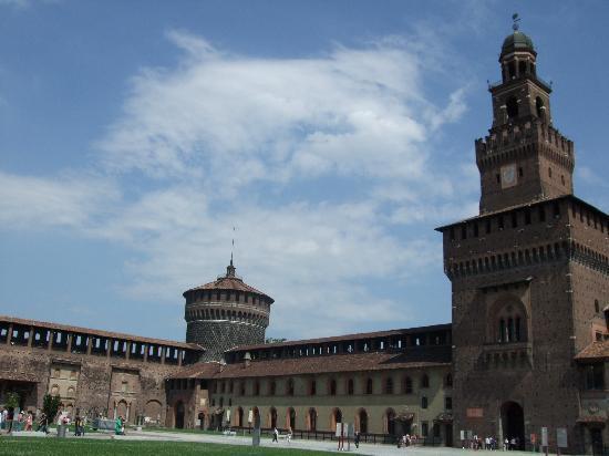 โรงแรมบลูเนลเลสชิ: Castello Sforzesco