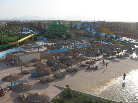 Titanic Beach Spa & Aqua Park: View from Waterpark back to Reception