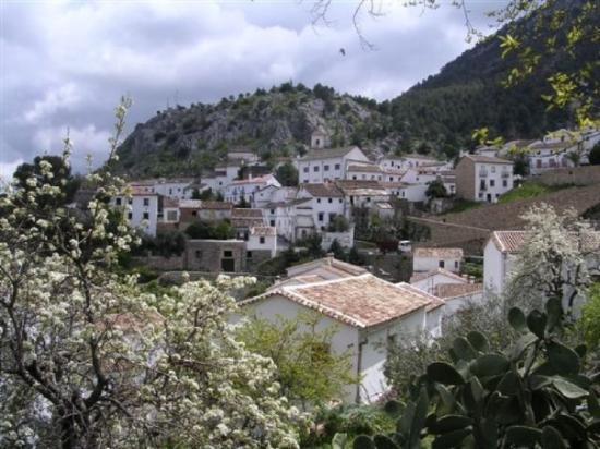 นครวาติกัน, อิตาลี: One of the White Villages in the Cadez Region of Spain April 07