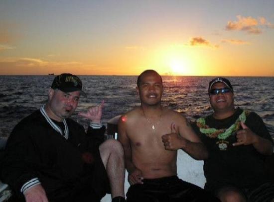 กอโรร์, ปาเลา: Friday April 7 2006 Sir Sean McKeever, Sir William Takamine, and I - Sunset