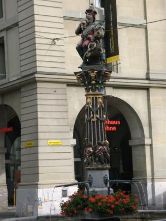 เบิร์น, สวิตเซอร์แลนด์: turks eating children