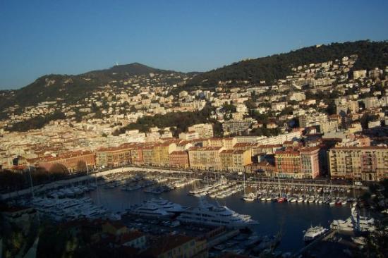 มอนติคาร์โล, โมนาโก: Monaco town from atop