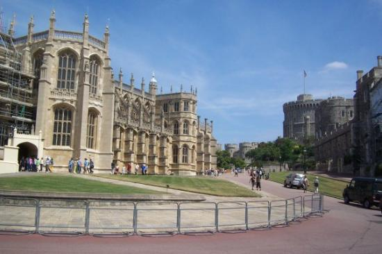 วินด์เซอร์, UK: Windsor Castle, tea with the Queen?