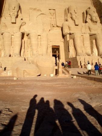 อาบูซิมเบล, อียิปต์: Abu Simbel and our shadows.
