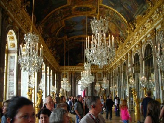 แวร์ซาย, ฝรั่งเศส: Hall of Mirrors at the Palace of Versailles.