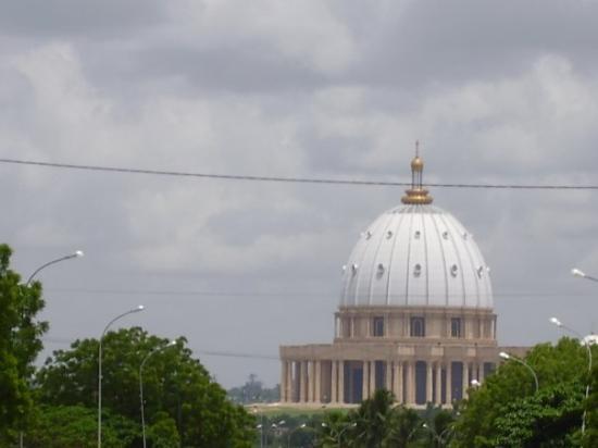 République de côte d'ivoire à la basilique de YAMOUSSOUKRO