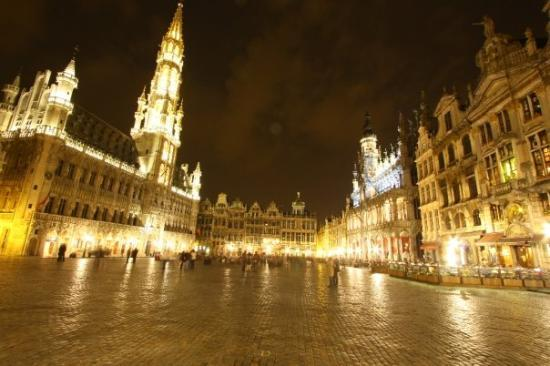 แกรนด์เพลซ: Grand Palace - Brussels - Night shot
