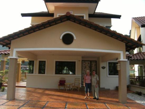 อีโปห์, มาเลเซีย: Mum's house
