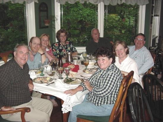 แรดฟอร์ด, เวอร์จิเนีย: Eating at the Long's house.