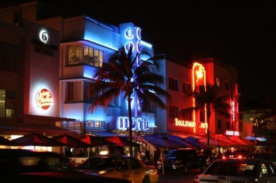 ไมอามี่ีบีช, ฟลอริด้า: Miami South Beach by night