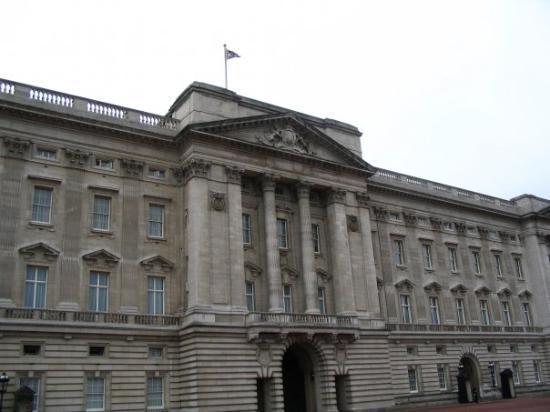 พระราชวังบักกิงแฮม: Buckingham Palace - London, England