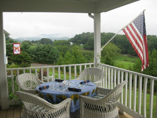 Brierley Hill Bed and Breakfast: View from deck