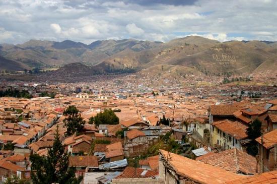 กุสโก, เปรู: A view overlooking the city of Cusco