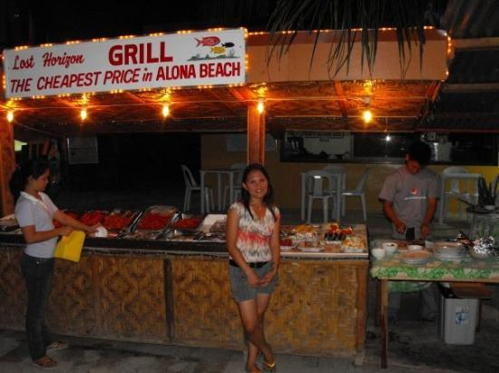 Panglao Island, ฟิลิปปินส์: aubery in frount of our dinner
